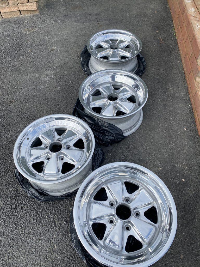Porsche polished wheels 1,500 GBP